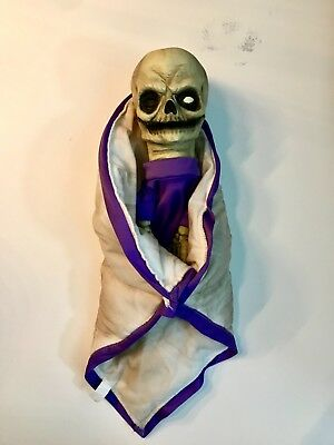 Super Scary Cool Monster Baby Halloween Puppet Prop (Skeleton / Zombie)