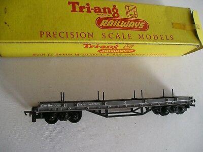 Triang T 174 flat bed wagon.  T gauge.  Unused and boxed.