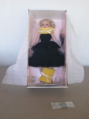 Femme Fatale  KC1201  Robert Tonner's 18 in. Kitty Collier Doll w/Stand Box