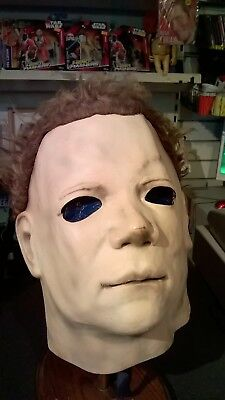 Michael Myers Signed Mask ( Replica of screen used, Part 2)