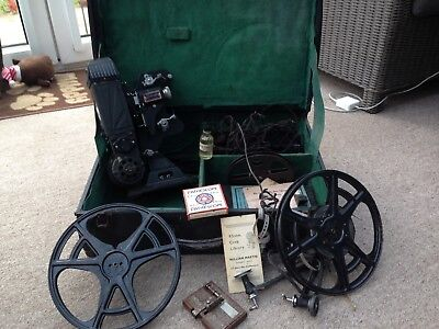 Pathescope 9.5 projector Vintage with accessories