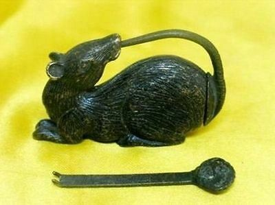 Rare Chinese old style Brass Carved mouse lock and key