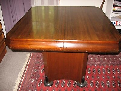 1930's Art Deco, Extendable, 4-6 seater Dining Table and 4 matching chairs