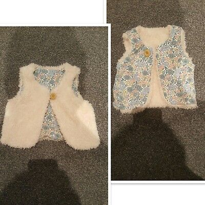 Baby Boden girls 3-6 months fleecey/wooly/teddy fur and floral reversible gilet