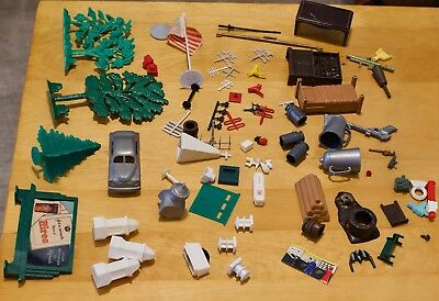 Plasticville and Marx lot of parts for buildings & playsets, includes antennas