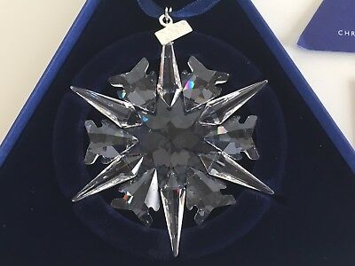 Limited Edition 2002 Authentic Swarovski Crystal Annual Star in Box w COA