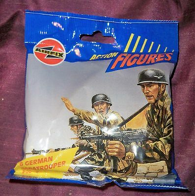 Rare AIRFIX 1:32 Action Figures x 6 German Paratroopers in bag from Trade Box