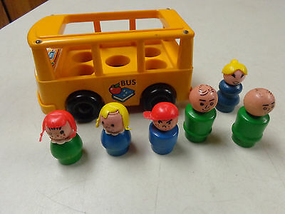 Vintage Fisher Price Little People School Bus W  Wood  Wooden People  Lot