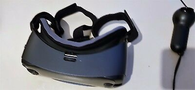 Samsung Gear VR, Powered by Oculus, Latest Edition (2017) with Controller