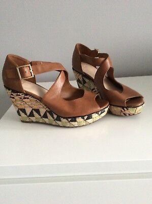 clarks womans size 5 1/2 wedge sandals  tan colour in excellent condition