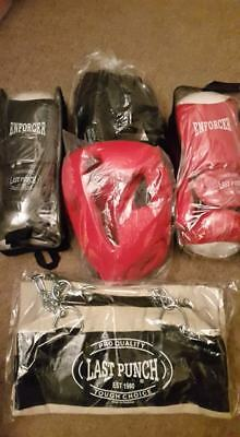 New 2 Pairs of Headgears 2 Pairs Pro Boxing Gloves & Punching Bag Cover