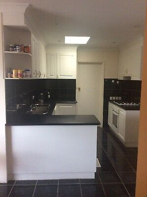 Kitchen Complete With All Appliances Laminate Tops & Cabinetry 5L