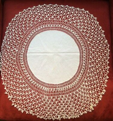 """Great 26"""" Antique White Linen & 14"""" Of Handmade Lace Round Doily Centerpiece"""