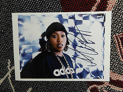 "HAND SIGNED 7"" x 5"" PHOTO + COA - MISSY ELLIOTT"