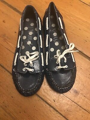 Girls Next Navy Patent Boat Shoes Size 4