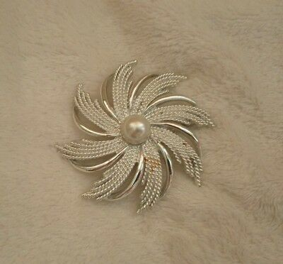vintage Sarah Coventry brooch silver tone and faux pearl