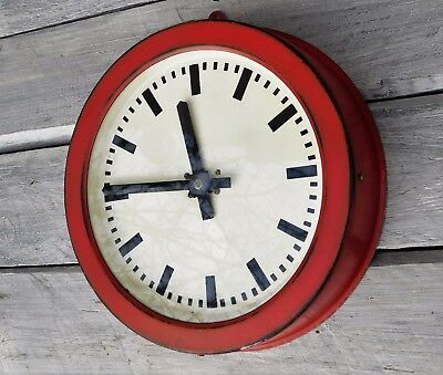 50s metal 1958 RAILROAD INDUSTRIAL FACTORY OR STATION CLOCK, Bauhaus style, R90