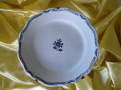Assiette En Faience De Nevers  18 Eme Siecle Tres Bon Etat