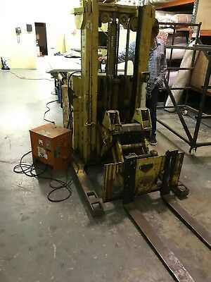Yale Walk Behind Electric Forklift 3000Lb Comes With Battery Charger