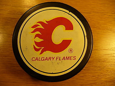 NHL Calgary Flames Licensed Product Vintage Souvenir Hockey Puck Collect Pucks