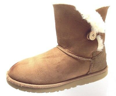 Womens Shoes UGG Australia Bailey Button Short Pull On Boots 5991 Chestnut Sz 6M