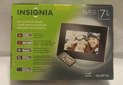 "Insignia Digital Photo Frame w remote 7"" picture screen 16:9 format"