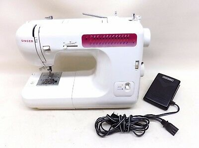 Singer 80 Stitch White Sewing Machine Appliance with Foot Pedal Model 2639