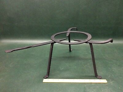 Antique Forged Cast Iron 3 Legged Bean Pot Kettle Skillet Stand Fire Place Camp