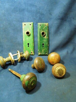 Lot Of 6 Vintage Metal Door Knobs Plus A Pair Of Back Plates And A Shaft