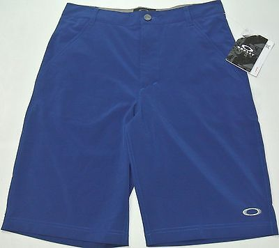 Oakley Boys Shorts Juniors Sanders 9.0 Small Reg Dark Blue hydrolix 4Way Stretch