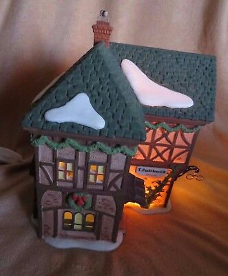 Dept 56 Dickens Village series 1995 Lighted Xmas PUDDLEWICK SPECTACLE shop 58331