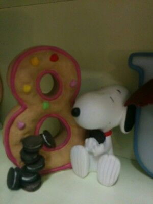 3.5 Inch snoopy with Letter  8 figure
