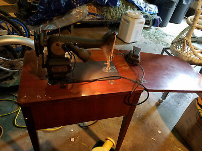 Vintage  Singer Simanco  Sewing Machine in cabinet, works great