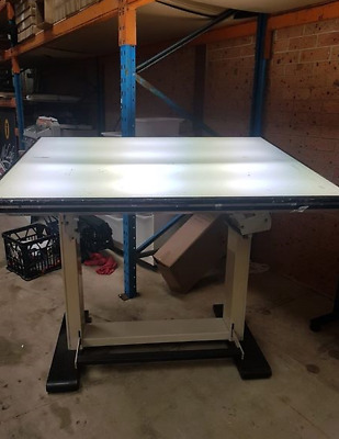 Lightbox table in Good Condition