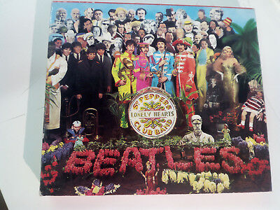 CD The Beatles Sgt. Pepper's Lonely Hearts Club Band Parlophone CDP 7 46442 2