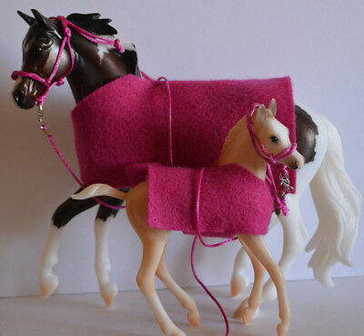 Classic size Breyer Horse BLANKETS, Halters & Lead Ropes matching set of 2