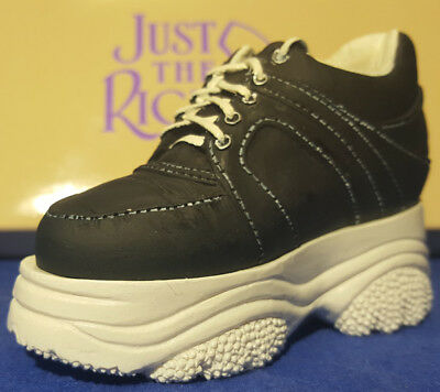 Miniaturschuh  - Just the Right Shoe - 25035 Sneaking By NEU OVP
