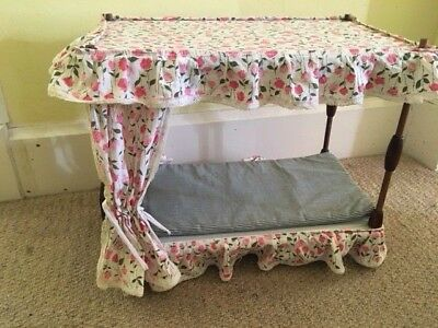 Vintage Sindy Four Poster Bed and Bedding