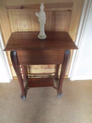 Antique/Vintage Mahogany Lamp, Side, Occasional Table