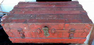 Travel Trunk STEAMER TRUNK Red color wood, metal and canvas