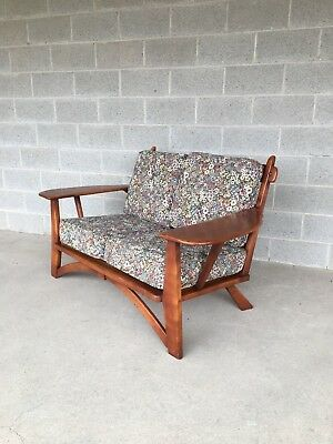 Cushman Colonial Creations Plymouth Paddle Arm Love Seat (Model 5-184-2)