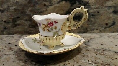 Vintage Unmarked China Tea Cup & Saucer  With Gold Trim Made In  Occupied Japan