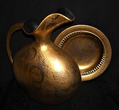 """Mid-Century SASCHA BRASTOFF """"MORE GOLD"""" Ewer and Ashtray/Plate, Sgnd, EX Cond"""