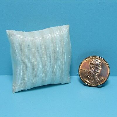 Dollhouse Miniature Set of 3 Fabric /& Lace Throw Pillows in Light Green ~ T8499