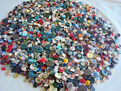 LOT of 6 Lbs~POUNDS BUTTONS~Tons of Color~VINTAGE~Quilting~Sewing~Jewelry~Crafts