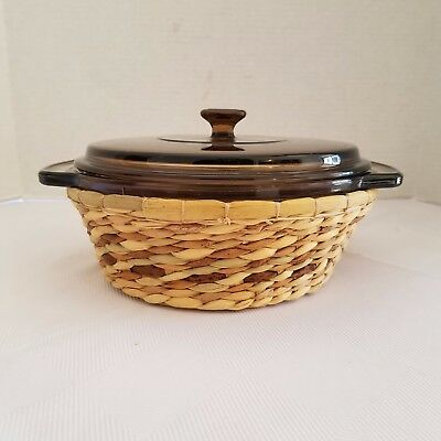"Anchor Hocking 1.5 Qt 8.25"" Round Amber Casserole Dish w/ Lid & Serving Basket"