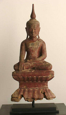 Burmese Antique Buddha in Lacquered Wood 19th Century