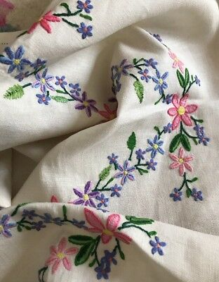 """Beautiful Vintage Hand Embroidered Colourful Flowers Linen Tablecloth 33"""" VGC"""