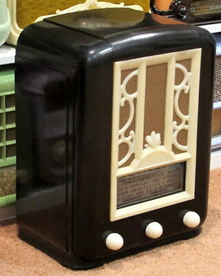 SUPER RARE 1937 Ebony & White AIRZONE RADIO STAR Vintage Art Deco Bakelite Radio