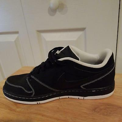 Men's Nike Prestige IV skate shoe Size 12 Used Black An White